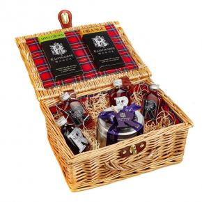 5cl Collection and Sloe Port Fruit Cake Hamper: incl Sloe Port, Sloe, Raspberry and Damson Gins, Apple and Orange Chocolate Bars and Fruit Cake