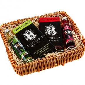 Mini Wild and Chocolates Hamper : 5cl Apple Vodka , 5cl Strawberry Vodka ,Apple Crunch,Chilli and Lime Choc bars