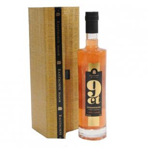 9ct Shimmering Toffee Caramel Vodka 70cl in a gold presentation box