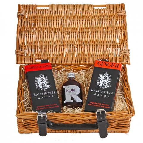 Sloe Port and Chocolate Selection Hamper : 5cl Sloe Port,Ginger Chocolate bar , Chilli and Lime Chocolate bar